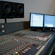 studio2b